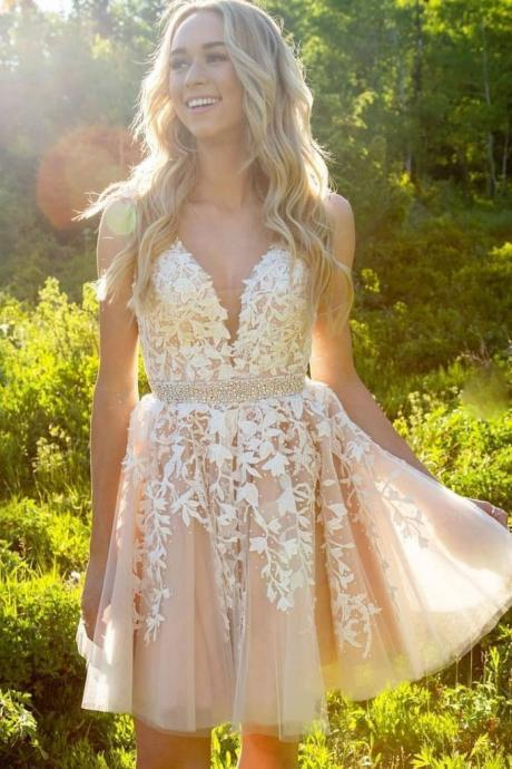 Champagne Beaded Prom Dresses Short 2019 Homecoming Dresses Lace Applique Elegant Prom Gown